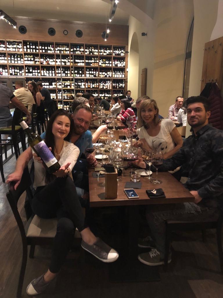 Naša partia vo Vinografe aj s našimi pražskými kamarátmi